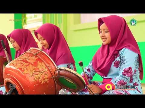 """""""Lawkana Bainanal Habib"""" Milad Ke 61 - Pondok Pesantren Karangdurin Putri"""