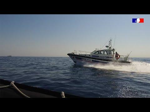 Embarquez avec la police maritime des Bouches du Rhône !