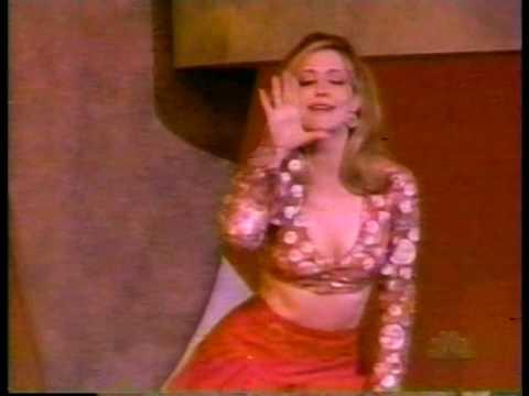 Sharon Lawrence sings Heat Wave