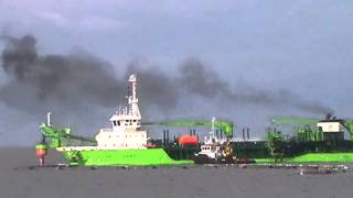 Ship nearly explodes MUST SEE