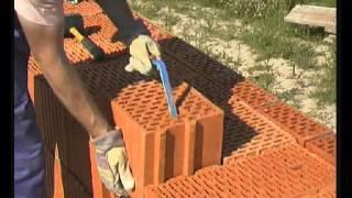 Стоительство дома из крупноформатных блоков.mpg(Технология кладки стен из крупноформатных поризованных блоков., 2012-04-17T04:32:44.000Z)
