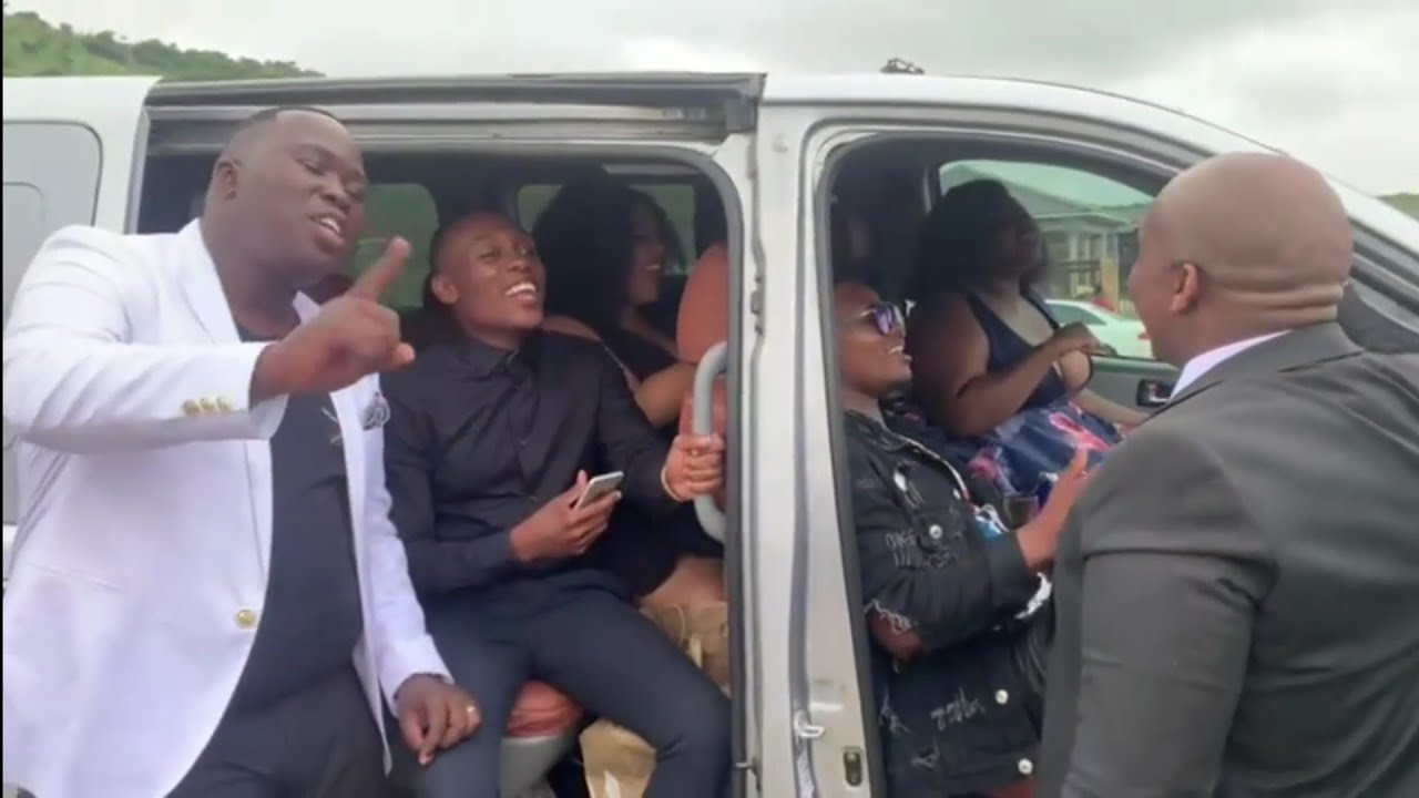 Download Gospel singers singing maskandi : Umshado aklona ijele by Khuzani