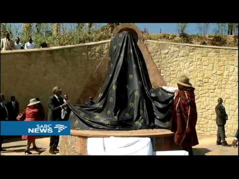 Lesotho King Letsie III unveils monument founded by King Moshoeshoe