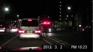 【消防救急】前方の車に注意を促しながら緊急走行する消防車 thumbnail