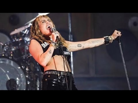 Miley Cyrus - Mother's Daughter (Live)