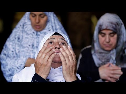 شاهد: آداء صلاة الجمعة في المسجد الأقصى  - 23:20-2017 / 6 / 23
