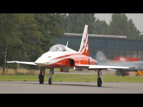 Patrouille Suisse 6 Northrop F-5E Tiger II Swiss Air Force Takeoff & Landing at Kleine Brogel 2015