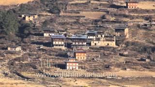 Bhutanese farm houses across the Phobjikha valley marsh