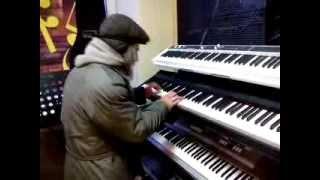 �������� ���� Дедуля играет импровизацию джаза | Grandpa plays jazz improvisation ������