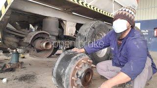 How to Change Dŗum brakes on a Safa trailer tank