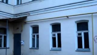 Во дворе Твери установили трейллер с МРТ(, 2013-08-19T10:42:27.000Z)