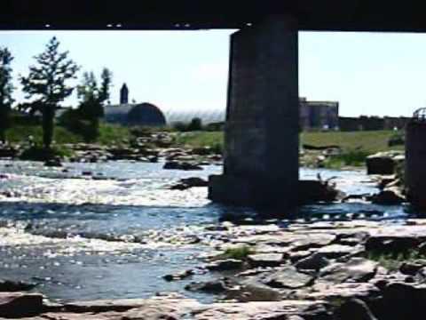 A trip to Falls Park in Sioux Falls, South Dakota