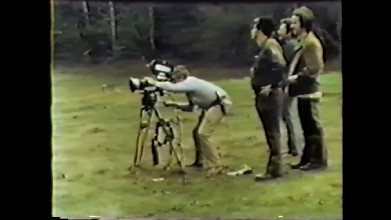 Download Grizzly (1976) - Movie Making in the Wildnerness (Behind the Scenes)