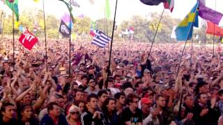 Primal Scream - Moving On Up (Glastonbury 2013) HD 720p
