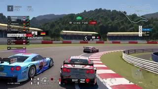 STRATÉGIE DÉCALÉE ET COURSE INTENSE !   GT Sport FIA Nation Exhibition 2019 Saison 1 (Manche 5)