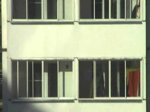 мужик балкон