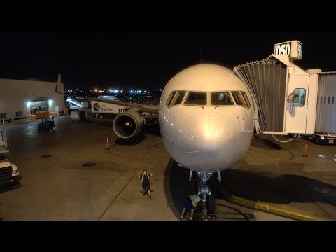 American Airlines Boeing 767-300 / Miami to Charlotte  + Charlotte Tour / 4K Video
