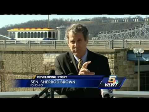 Senator Sherrod Brown unveils plan to repair Brent Spence Bridge