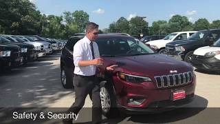 2019 Jeep Cherokee Latitude FWD (Standard Equipment Only)