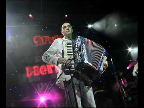 Genio & Pierrots-Live in Bibione '09-Cuerpo a Cuerpo