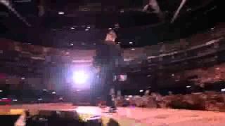 Robbie Williams - Take The Crown Live @ O2 Arena (2012) -hey wow yeah yeah