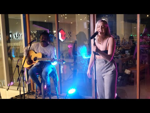 Anne-Marie - Rockabye (Acoustic) Live in Manila
