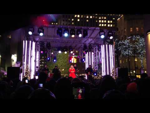 Kelly Clarkson's 2nd Take - Blue Christmas @ Christmas In Rockefeller Center NYC Pre-taping 11/26/13