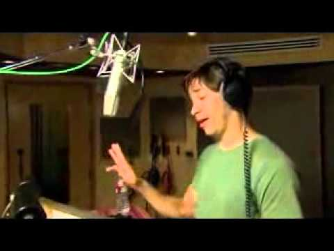 Alvin and the Chipmunks: Chipwrecked behind the scenes with Justin Long