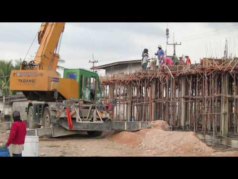 Thai Crane Concrete Pour