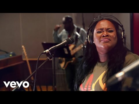 Tasha Cobbs Leonard - Great God