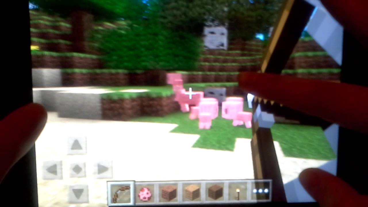 Which is Better: Minecraft Pocket Edition or Minecraft PC