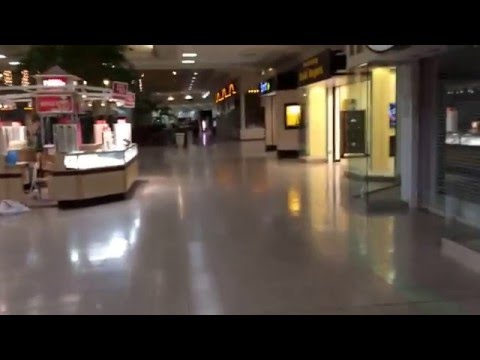 Dead Martinsburg Mall in Martinsburg, WV (Foxcroft Towne Center).