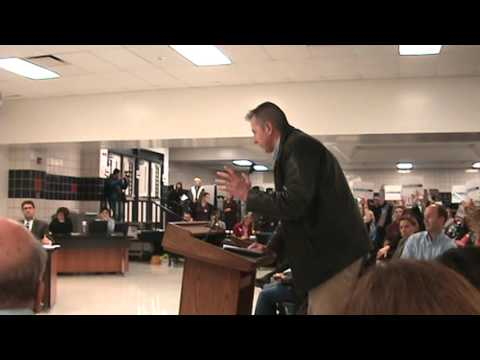 Very Angry Dad addresses SD211 school board regarding mixed-sex locker rooms
