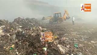 सातारा सोनगाव कचरा डेपो प्रश्नाबाबत ग्रामस्थांशी चर्चा करताना मुख्याधिकारी