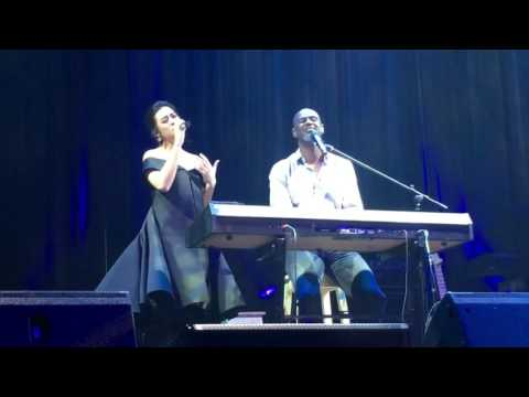 (CLOSEUP) Raisa & Brian Mc Knight Duet, Jakarta, 8th Dec 2016
