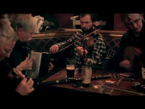 Dolan's pub (Limerick, Ireland) - Irish Traditional Music Session