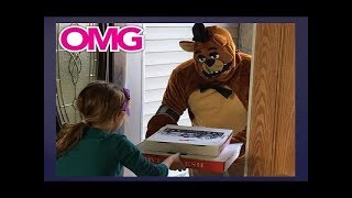 Freddy Fazbear Delivers Me A Pizza - I called Freddy Fazbears Pizza, Freddy Fazbear Came To My House