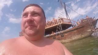 Море Бердянск 2016 Гоним на плитах