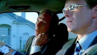 Алекс Махоун едет за Майклом Скофилдом и Линкольном Барроузом. Сукре убегает от полицейского. Побег