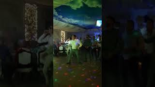 Танец жениха и компании в честь выкупа невесты! Смотрим)