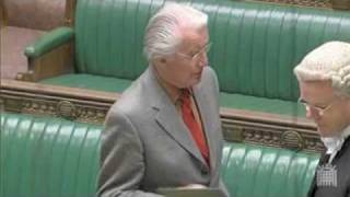 Dennis Skinner Mumbles Oath to Queen