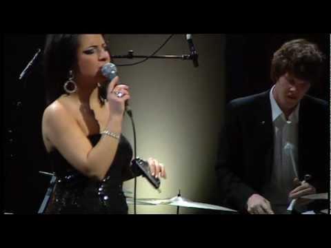 Autumn leaves - Manuela Mameli's Jazz.Samba.Project /Français version / Sweden 2011