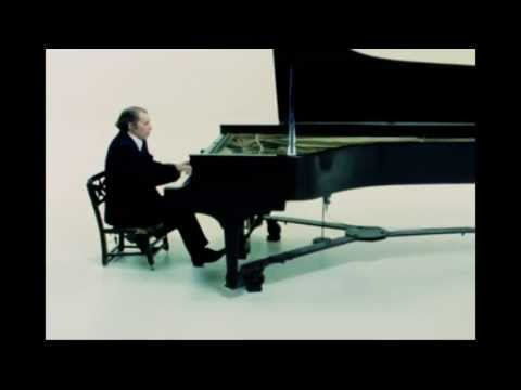 Glenn Gould - J.S. BACH, Partita no.6 in E minor, Gigue (7/7)
