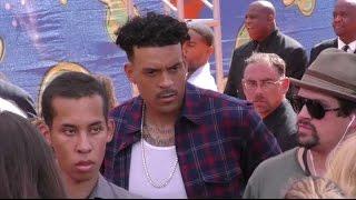 DEREK FISHER avoids MATT BARNES at Kids' Choice Sports Awards