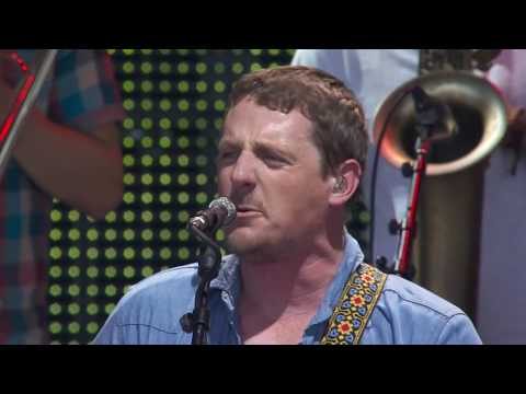 Sturgill Simpson – Call to Arms (Live at Farm Aid 2016)