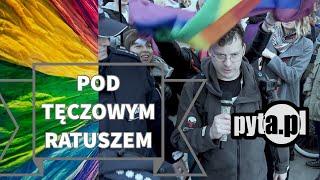 pod tęczowym ratuszem / pyta.pl