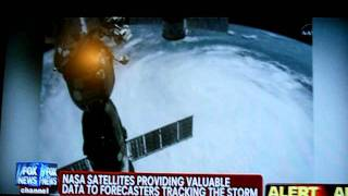 UFO OVER HURRICANE IRENE DISCOVERED - LIVE CNN NEWS 18.10.2012!!!!!!!!!!!!