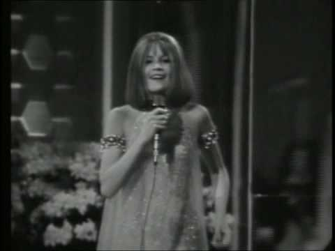 Sandie Shaw Sings Puppet On A String Youtube