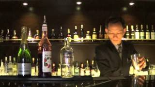 HALONG PARADISE SUITES - WHISKEY GALLERY - COCKTAIL VALENTINI