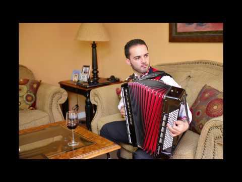 Trakiisko Pravo Horo   Konstantin Bozhinov - Accordion